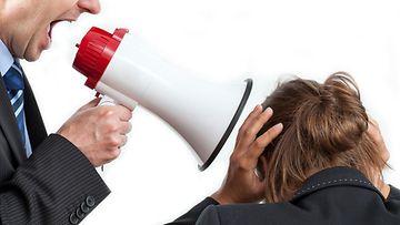 """Työpaikkakiusaaminen jättää syvät arvet: """"En toivo kellekään samaa kohtaloa"""""""