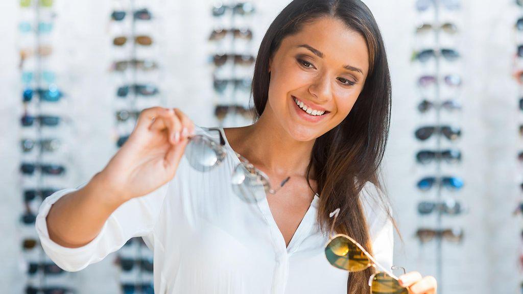 aurinkolasienhankinta. Sopivat lasit löytyvät kokeilemalla. Shutterstock.com 55dc53e99a