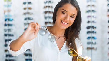 Vain kilpailuttamalla saa silmälaseille oikean hinnan