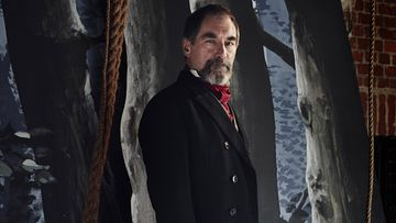 PennyDreadful_s1_TimothyDalton_as_MalcolmMurray_001