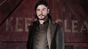 PennyDreadful_s1_JoshHartnett_as_EthanChandler