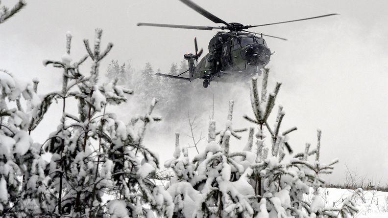 19880842 NH90-helikopterit