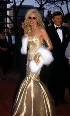Daryl Hannah at the 1990 Oscars
