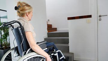 Nainen pyörätuolissa7