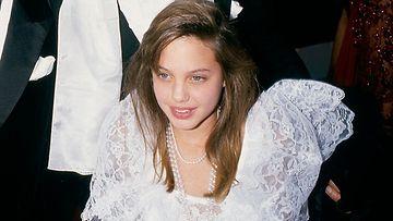 Angelina Jolie 1986