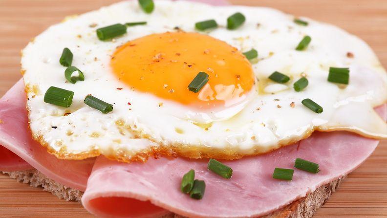 aamupala, kananmuna, kinkku