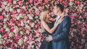 Pariskunta ja ruusuja