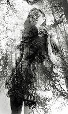 Nainen metsässä, tuplavalotus