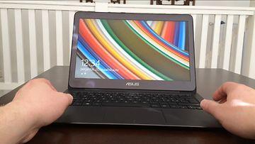 Asus ZenbookUX305F -kannettava tietokone