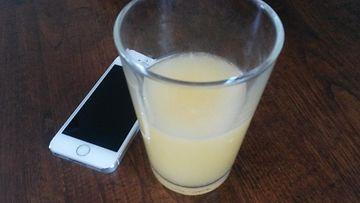 iPhone 5S ja juomalasi