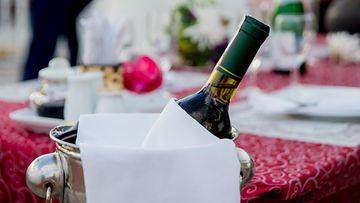 samppanja, ravintola