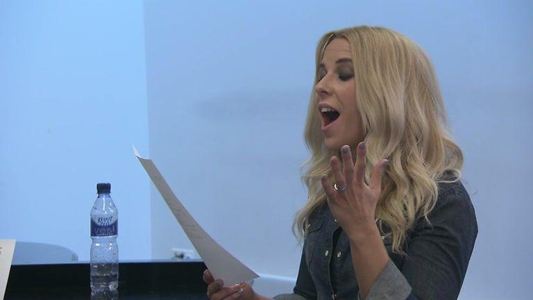 VIDEO: Krista Siegfrids lauloi oopperaa – opettaja vaikuttui