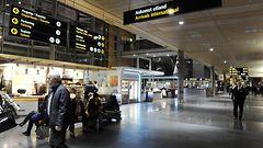 Oslon lentokentt� suljetaan – liikaa lunta