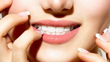 hampaat, hymy, kynnet, iho