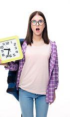 Nainen ja kello (2)