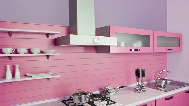 pinkki keittiö
