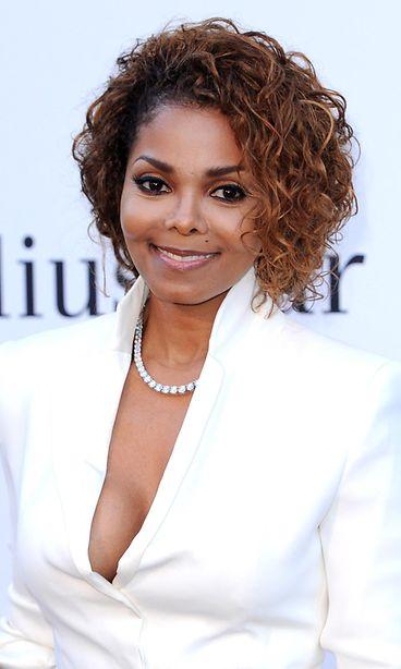 Yhdysvaltalaislaulaja Janet Jackson aktivoituu jälleen. Pitkään poissa julkisuudesta pysytellyt laulaja julkaisee uutta musiikkia. - janet-jackson
