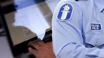 Poliisi Rikoskuvitus urkinta verkko netti