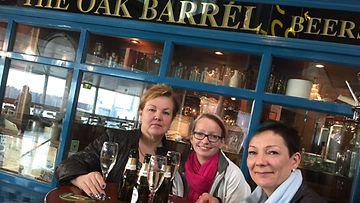 Oak Barrel asiakkaita