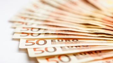 50 euroa