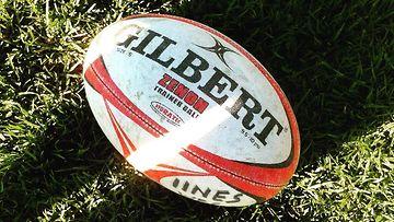 Toimitus testasi rugbytreenit (2)