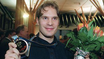 Timosen ensimmäinen olympiamitali, pronssi Naganosta
