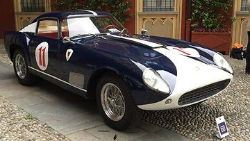 """Huippuharvinainen Ferrari 250 GT """"Tour de France"""" näyttäytyi ensimmäistä kertaa kansainväliselle harrastajajoukolle"""