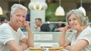 estrogeenin väheneminen oireet Naantali