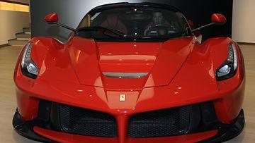 Keanu Reeves Ferrari (7)