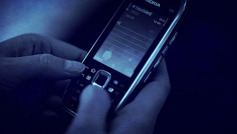 puhelin tekstiviesti
