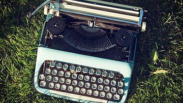 Kirjoituskone (3)