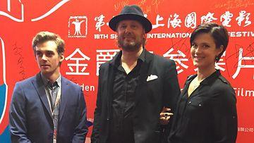 Lauri Tilkanen, Antti J. Jokinen ja Krista Kosonen Shanghain elokuvajuhlilla 16.6.2015.