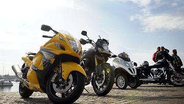 Prätkällä töihin -tapahtuma veti Helsinkiin erilaisia moottoripyöriä 6. kesäkuuta 2014.