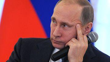 Putin Pietarin talouskonferenssissa 18. kesäkuuta 2015.