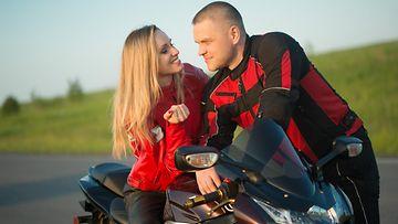 Pari moottoripyörällä