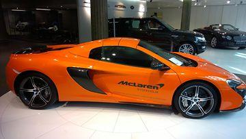McLaren 675LT:n sivuprofiili.