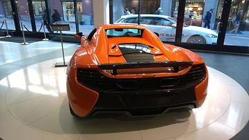 McLaren 675LT takaa.