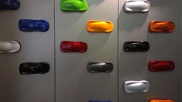 Saatavilla olevia värivaihtoehtoja McLaren-autolle.