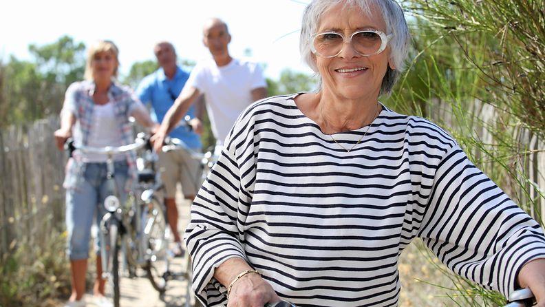 Eläkkeellä ja lomalla (2)