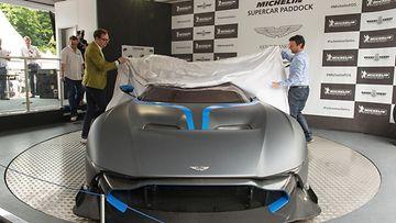 Vulcan haluttiin esitellä yleisölle Aston Martinin omalla maaperällä Englannissa.