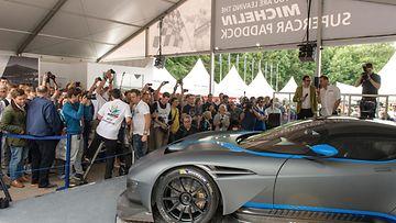 Aston Martin Vulcanissa on seitsenlitrainen (!) V12-kone.