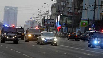 Poliisisaattue Moskovassa 18. joulukuuta 2014.