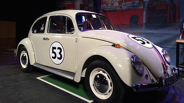 """Riemukupla seikkaili monessakin elokuvassa. Kavereiden kesken tämän auton nimi on """"Herbie""""."""