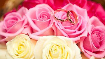 ruusuja sormukset