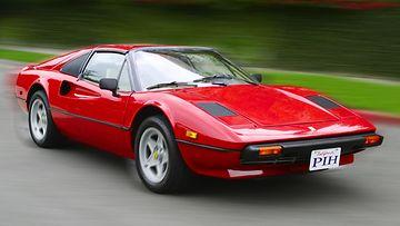 Tom Selleck oli Ferrari 308:lla ajava yksityisetsivä Magnum.