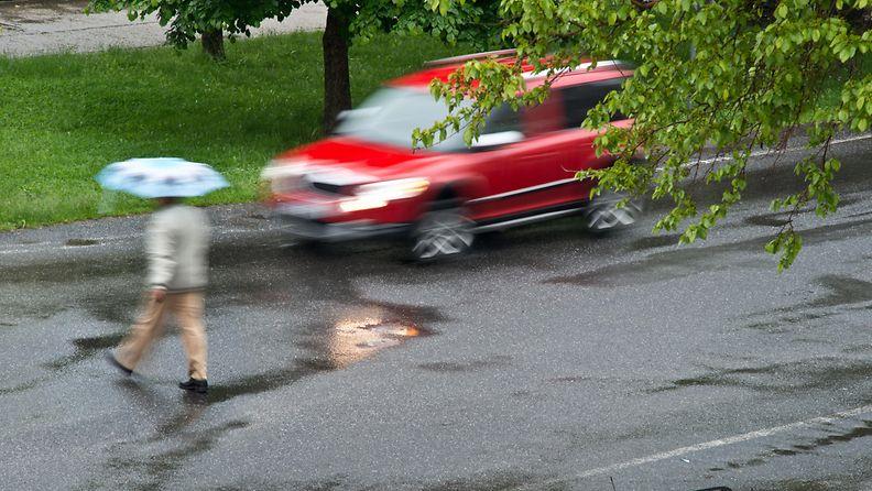 auto jalankulkija