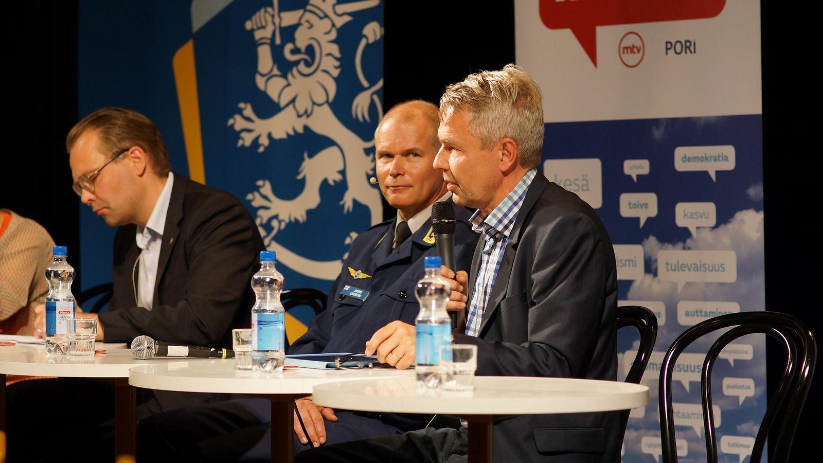 Kansa ei luota puolustukseen - puolustusvoimain komentaja ymmärtää suomalaisten huolen - Kotimaa ...