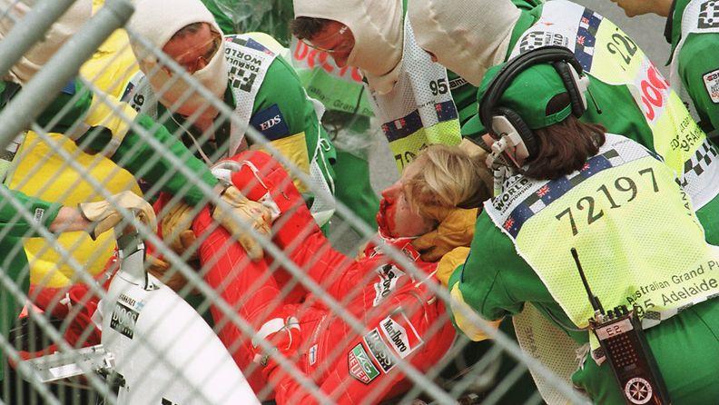 Mika Häkkinen, Adelaide, 1995, onnettomuus, kolari