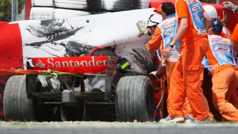 Heikki Kovalainen, 2008, Espanja, kolari, onnettomuus