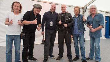 AC/DC backstagella Live Nation